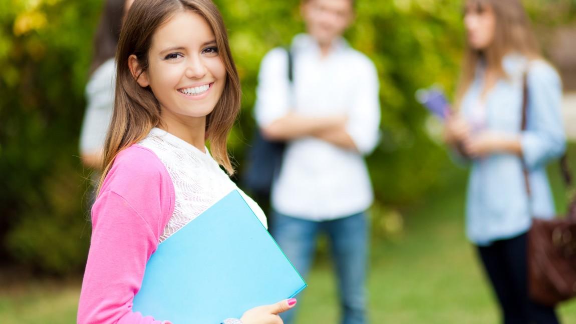 เรียนปริญญาตรีที่ อังกฤษ ข้อดีของการไปเรียนที่ UK และวิธีเลือกคอร์สต่อปริญญา