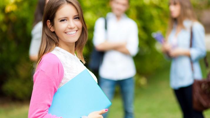 บทความสำคัญ: เรียนปริญญาตรีที่ อังกฤษ ข้อดีของการไปเรียนที่ UK และวิธีเลือกคอร์สต่อปริญญา