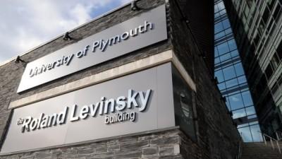เกรด 2.3 เข้า Plymouth University ได้